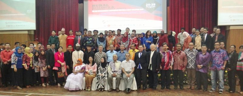Participants of conference with Vice Minister of KKLW, Malaysia